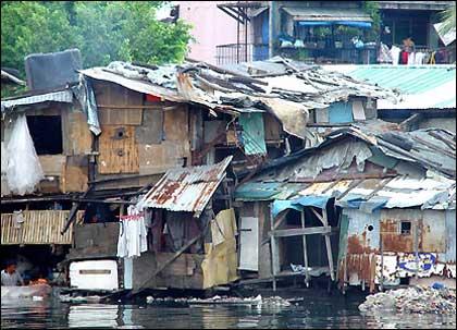 asia-slum2420px